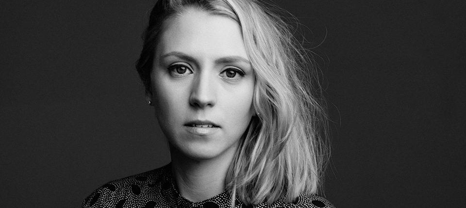 Singer-Songwriter Hannah Scott
